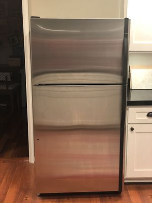 Kenmore Refrigerator/Top Freezer for Sale in New Market, MD