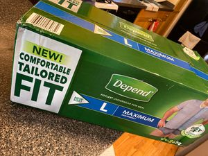 Freeeeee Men diapers size Large for Sale in Chicago, IL