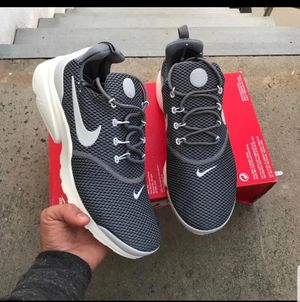 WOMEN'S Presto fly gray size 7 for Sale in Silver Spring, MD