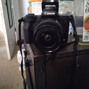 Canon Eos M50 for Sale in New Haven, CT