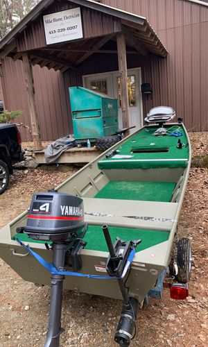 1436 tracker topper 2019 4hp Yamahas motor for Sale in Sheffield, MA