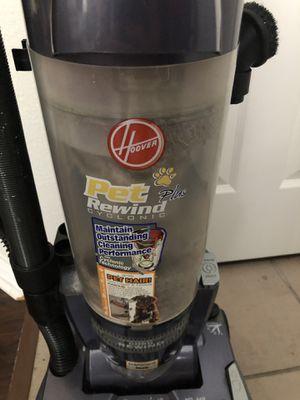 Hoover 12 amp Pet Plus Rewind Cycloning Vacuum for Sale in Manchaca, TX