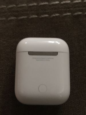 Apple Airpods 1st Gen. $120. Includes earbuds and case for Sale in Murrieta, CA
