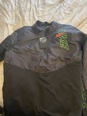 Nike running jacket brand new. for Sale in Franklin, WI