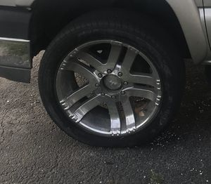 Great deal! 22 inch 8 lug chrome wheels! for Sale in West Palm Beach, FL