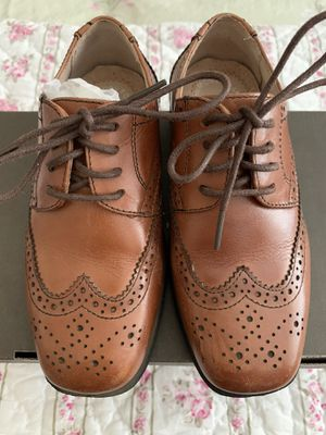 Florsheim Reveal Wingtip Oxford Jr Shoes - Size 10M for Sale in Calabasas, CA