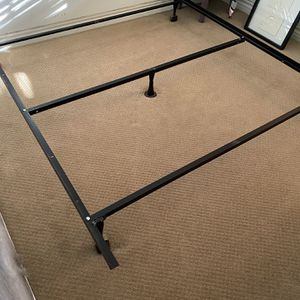 Free Queen Sized Bed for Sale in Irvine, CA