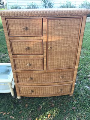 FREE dresser, coffee table and lamp for Sale in Brooksville, FL