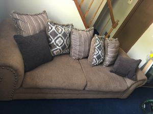 Sofia couch for Sale in Reynoldsburg, OH