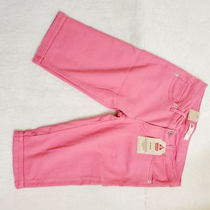 Levi's pink shorts NWT for Sale in Eden Prairie, MN