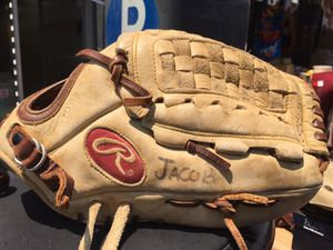 rawlings gold baseball gloves for Sale in Bronx, NY