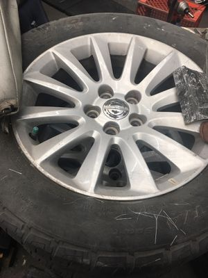 Chrysler 300 rims and tires for Sale in Riverside, CA
