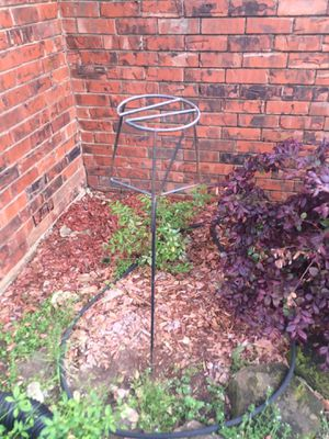 """Garden pot plant stand 42"""" tall for Sale in Farmers Branch, TX"""