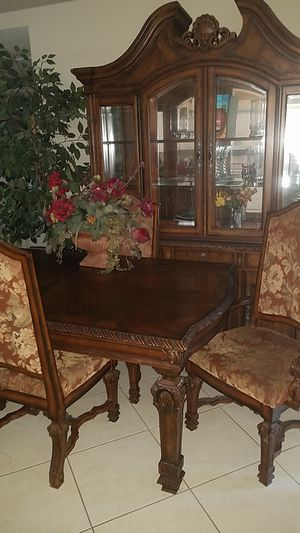 Dining room set for Sale in Palmetto, FL