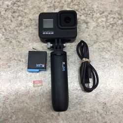 GoPro Hero 8 Black 4K Waterproof Action Camera With Charger/1 Battery/32 GB Micro SD Card for Sale in Portland,  OR