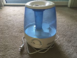 Vick's Filter free Cool Mist Humidifier for Sale in Santa Clara, CA