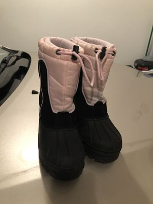 Youth girls snow boots size 2 for Sale in Auburn, WA