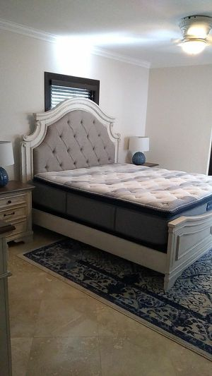 Bedroom set all included for Sale in Hollywood, FL