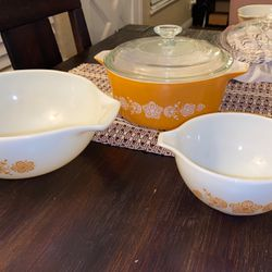 Pyrex Set Of 4 for Sale in West Covina,  CA