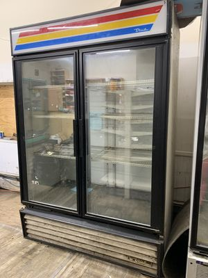 Two door refrigerator with four shelves for Sale in Binghamton, NY