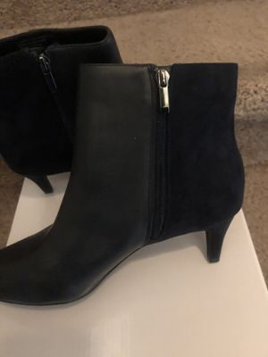 Navy leather/suede 1/4 in spike heel ankle boot size 9 1/2 for Sale in Lexington, KY