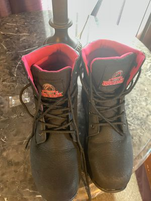 8.5 steel toe women boots for Sale in Kissimmee, FL