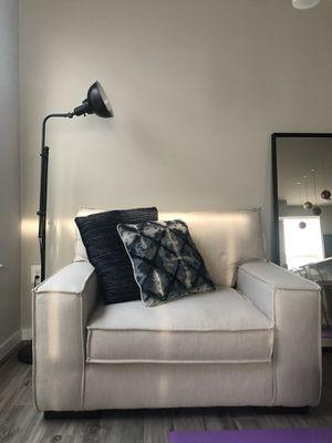 Lounge chair for Sale in Woodbridge, VA