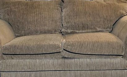 Loveseat for Sale in Fort Worth,  TX