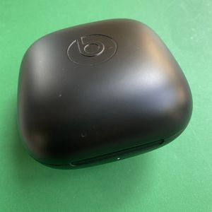 Powerbeats Pro Wireless Charging Case for Sale in Paradise Valley, AZ