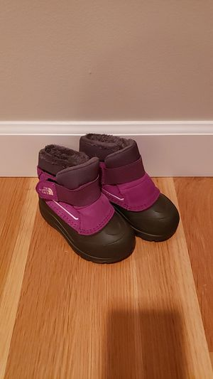 Kid's Snow Boots Size 7 North Face for Sale in Seattle, WA