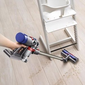 Dyson Vacuum V8 animal for Sale in Fontana, CA