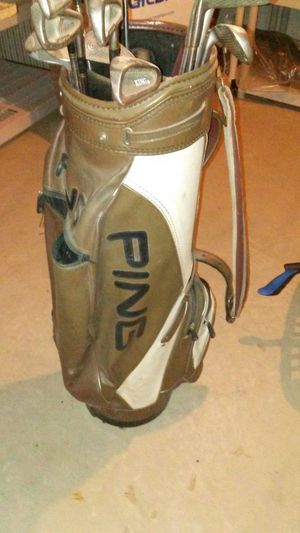 Ping leather golf bag with almost full set of clubs for Sale in Wyandotte, MI