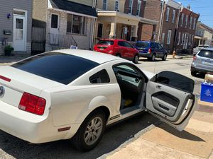 2008 ford mustang for Sale in Philadelphia, PA
