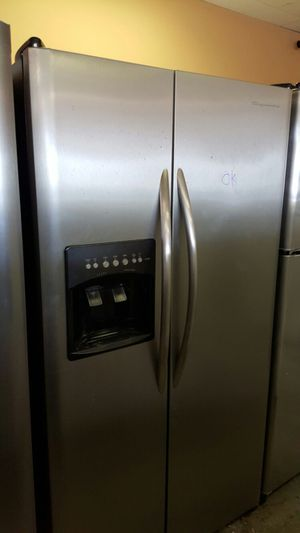 Fridgediare Stainless steel Side by side water and ice on door for Sale in Alexandria, VA