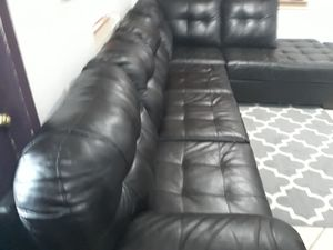 SECTIONAL LEATHER BLACK .DELIVERY FREE for Sale in HALNDLE BCH, FL