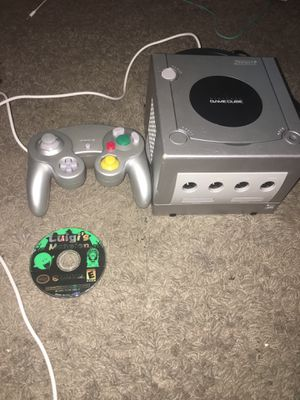 GameCube w/ controller and Luigi's mansion game for Sale in DeBary, FL
