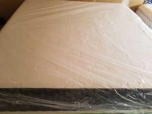 New Puffy lux king size mattress delivery available for Sale in Raleigh, NC