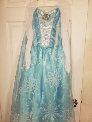 ELSA DRESS SIZE7/8 for Sale in North Las Vegas, NV
