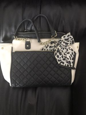 Betsey Johnson purse for Sale in Chandler, AZ