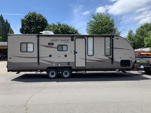 Grey wolf 22rr forest river toy hauler 2017 for Sale in Aloha, OR
