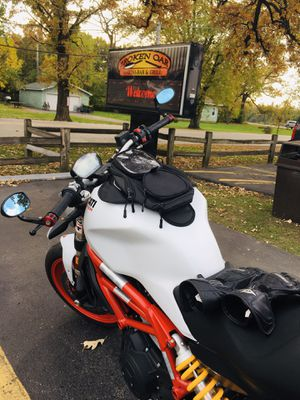 Motorcycle tank bag magnetic for Sale in Glen Ellyn, IL