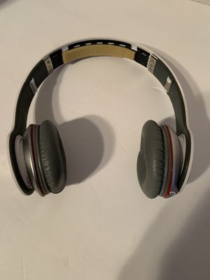 Beats by Dr. Dre SOLO HD for Sale in Los Angeles, CA