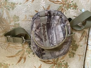 Remington camo shoulder or belt accessories bag heavy duty for Sale in Deltona, FL