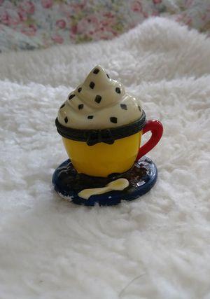 Ceramic Cupcake box for Sale in Festus, MO