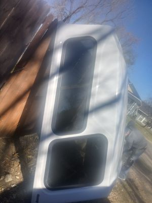 Century raised truck bed camper shell for Sale in Duncanville, TX