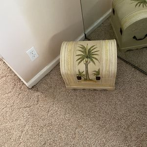 Small Tropical Trunk for Sale in West Palm Beach, FL