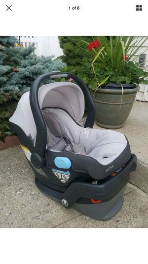 Uppababy car seat for Sale in Peoria, IL