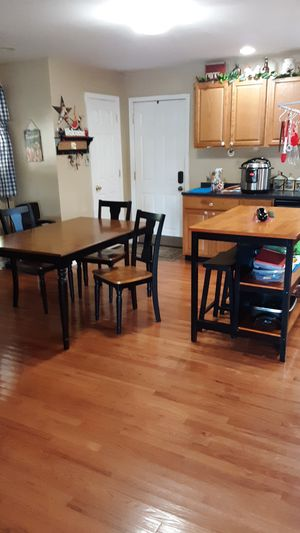 Table and chairs and island for Sale in Sissonville, WV