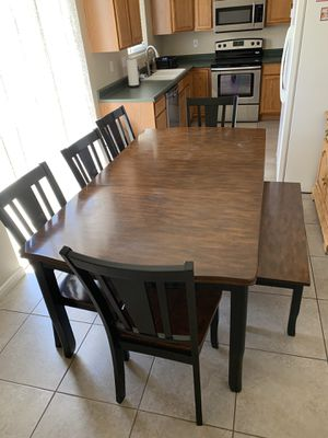 RC Wiley Dining Table w/ chairs and bench! for Sale in Saratoga Springs, UT