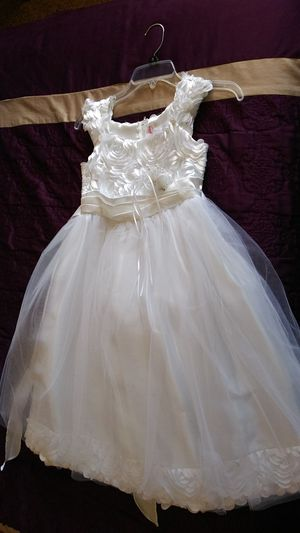 White flower girl/special occasion dress for Sale in Perris, CA
